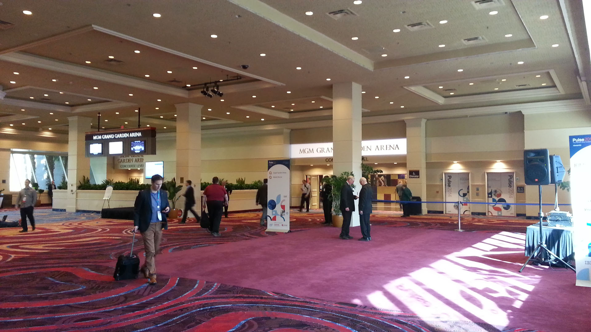 MGM Grand Garden Arena foyer | jay.manaloto.ibm